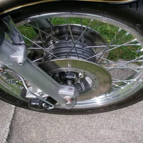 Moto: come regolare forcelle anteriori e mono posteriore