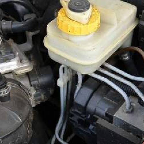 Iniettori benzina sporchi: sintomi, costo e come pulirli
