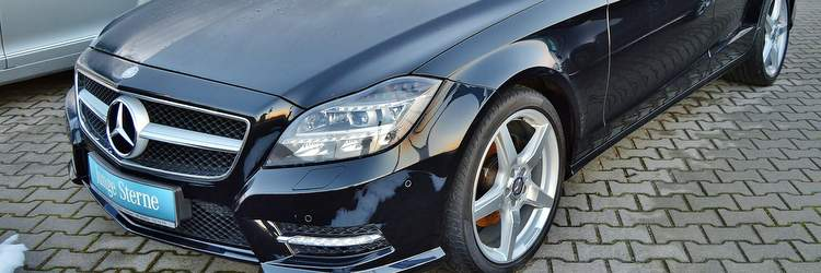 Mercedes in concessionario auto