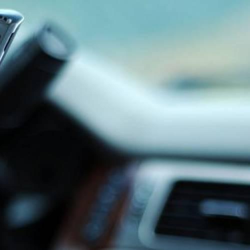 Controllo veicoli rubati o assicurati con Android